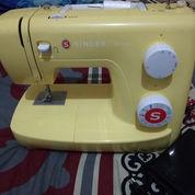 Mesin Jahit Singer Portable Simple 3223y