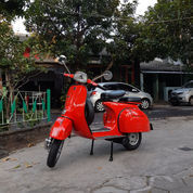 Vespa Super Merah Merona Th 74