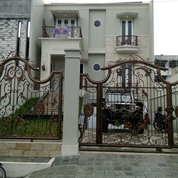 Rumah Mewah Fasilitas Kolam Renang Kampung Melayu, Jakarta Timur (22044299) di Kota Jakarta Timur