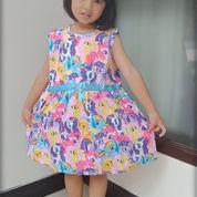 Dress Anak Perempuan Karakter Tanpa Lengan Motif Cantik (22073711) di Kab. Banyumas