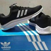 Sepatu Adidas Ukuran 43-44 (22095811) di Dayeuh Kolot