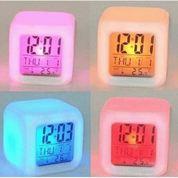Jam Meja Digital Portable Tujuh Warna Alarm Kalender Termometer Suhu