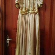 Gaun Elegan Gold Berpita & Hiasan Bunga (2222236) di Kota Jakarta Pusat
