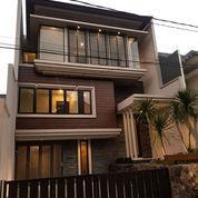 Rumah 3 Lantai Bergaya Modern Di Araya Surabaya (22315131) di Kota Surabaya