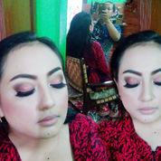 Salon Dan Make Up Wisuda Panggilan (22325323) di Buduran