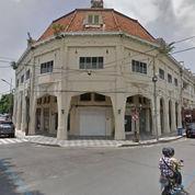STRATEGIS Gedung SEGALA Usaha Di Jalan Raya Tunjungan NEGO