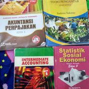 Buku Bekas Novel Dan Buku Kuliah (22334219) di Kota Surakarta