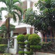 Rumah LUAS 2 Lantai Sangat Strategis Depan Mal Buaran 4.2M (22487803) di Kota Bekasi