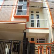 BU Rumah Baru 3 Lt Siap Huni Di Kampung Gedong, Condet Jakarta 1.2M (22489351) di Kota Bekasi