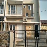 Rumah 2 Lantai Dekat Tol Bekasi Barat (22495831) di Kota Bekasi