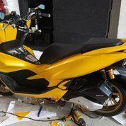 Wrapping Stiker Mobil/Motor (22546599) di Deli Tua
