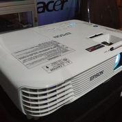 Lcd Proyektor Epson EB-X 300 Segel (22597943) di Kab. Kulon Progo