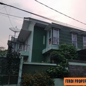 Rumah Cantik Rapi Full Sunshine 2 Lantai Bukit Golf Cibubur