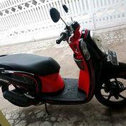 Honda Scoopy Fi Warna Hitam Merah