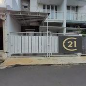 Rumah Dengan AKSSES JALAN BANYAK Di Pondok Bambu (22904943) di Kota Jakarta Timur