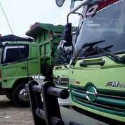 Rental Dump Truck Tronton