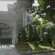 Rumah LUXURY Nyaman Sangat Strategis Villa Royal Pakuwon City