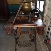 Mesin Jahit Kuno Antik Kaki Laba Laba (22947463) di Kab. Lamongan
