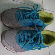 Sepatu Olahraga Legas (22993323) di Sewon
