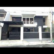 Rumah Terawat 2 Lantai Lokasi Strategis Lebak Arum Surabaya