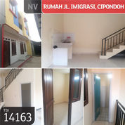 Rumah Jl. Irigasi, Cipondoh, Tangerang, 5x7m, 3 Lt, SHM (23056379) di Kota Tangerang