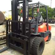 Forklift 4 Ton Toyota 2001 (23140035) di Kota Jakarta Timur