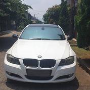 BMW 320i EXECUTIVE E90 FACELIFT LCI 2011 PUTIH