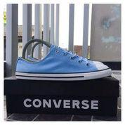 Sepatu Sneakers Wanita Converse Original Size 40