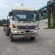 Kepala Trailer Hino 2012 Type 320 TI Traktor Head + Chassis 3 Axle Full Original (23281983) di Kota Jambi