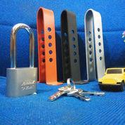 Kunci Pengaman Pedal Rem / Kopling Mobil Universal