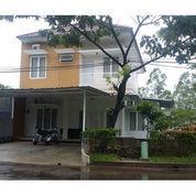 Rumah Hook Full Furnish Grand Sentul Bogor Strategis