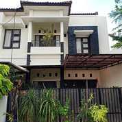 Rumah 2 Lantai Minimalis, SHM, Milik Sendiri, Di Belakang Giant Sawojajar