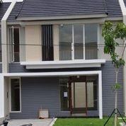 SIAP HUNI Rumah 2lt Northwest Park CitralandN NEW GRESS, BS LANGSUNG MASUK (23383555) di Kota Surabaya