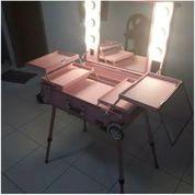 Beauty Case Original. Ukuran 60x40x17 Lampu Dim. Ada Colokan Untuk Hairdryer. Baru Di Pakai 1x (23448079) di Kota Pekalongan