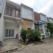 Rumah Lingkungan Ntaman Cinere Depok