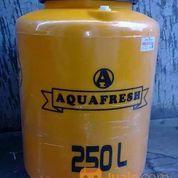 AQUAFRESH Tandon Air Plastik 250 L + Jasa Pemasangan (23501823) di Kota Surabaya
