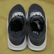 Sepatu New Balance Navy