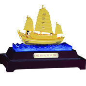Patung Kapal Layar Lapis Emas 24K Pajangan Kapal Lapis Emas L26