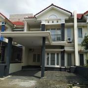 Rumah Modern Minimalis Furnish AC Di Pakuwon City Sorrento, Surabaya (23555315) di Kota Surabaya