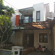 Rumah HUNIAN NYAMAN SEKALI 2 LANTAI Di Harmoni Harapan Indah (23655983) di Kota Bekasi