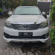 Toyota Fortuner 2012 G TRD A/T Putih
