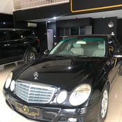 2009 Mercedes Benz E-Class E200 SPECIAL PRICE!