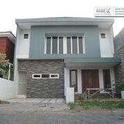 Dian Istana Surabaya - A Harmonious Residence. (23851875) di Kota Surabaya