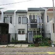 Rumah 2 Lantai Garden Dian Regency Tropodo (23856495) di Kab. Sidoarjo