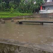 Sawah Dan Kolam Ikan Pinggir Jalan (23857175) di Kab. Sumedang