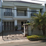 Rumah Mewah Semi Furnish Strategis Kawasan Kelapa Gading Bebas Banjir (23874107) di Kota Jakarta Utara