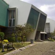 Rumah Villa Mewah Di Dago Bandung Jawa Barat Asri Bebas Banjir