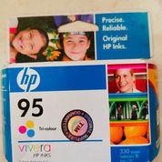 HP 95 Tri-Color Original Ink Cartridge (23947159) di Kota Jakarta Utara