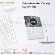 JASA CETAK SOUVENIR KALENDER DINDING CUSTOM FOTO PERUSAHAAN (23960899) di Kota Jakarta Timur