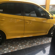 Brio Kuning Masih Gress (23984487) di Kota Surabaya